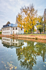 Strasbourg (Bruno MATHIOT) Tags: aurora hdr reflets reflection eau water house maison h2o arbre season saison tree automne autumn alsace strasbourg france french canon 760d sigma 1020