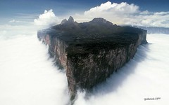 MORRORAIMA (garleo) Tags: desktop wallpaper verde azul stone clouds heaven blu venezuela selva paisaje nubes fondo rocas piedras roraima morros sanjuandelosmorros gurico capitaldelgurico