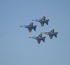 Blue Angels (Yakin669) Tags: show boss blue 2 sky usa 6 3 yellow america plane airplane gold 1 fly team wings fighter tour florida 5 aircraft smoke air jets 4 flight navy jet performance blues 7 delta patriotic diamond formation demonstration american precision hornet naval blueangels officer pilot nas pensacola aerobatic squadron supersonic fa18 mcdonnelldouglas northrop perdidokey maneuvers escambiacounty shermanfield persicision forrestshermanfieldusapensacolaescambiacountynavyjetsblueangelsbluesblueyellowwingsgoldairpersicisiondemonstrationshermanfieldnasperformanceflorida yakin669