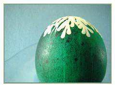 Magritte is getting old... (Walter A. Aue) Tags: canada primavera painting spring novascotia wax wiosna pisanki polisheastereggs walteraaue uovadipasquainpolonia oeufsdepquespolonaisprintempspolnische ostereierfrhlingpolskie