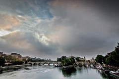 Paris, les les (Michel Couprie) Tags: bridge sky paris france seine clouds sunrise river ile pont isle ledelacit