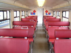 SGM 2894 2e klas(Amsterdam Sloterdijk 2-8-2003) (Ronnie Venhorst) Tags: 2e amsterdam train y ns interieur plan bank zug rood klas sloterdijk nsr sgm treon plany 2894 materieel stadsgewestelijk