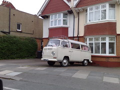 2105201310776 (uk_senator) Tags: white window vw bay cream 1970 camper uksenator