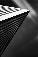 3 Triangles (Mesli) Tags: city longexposure urban blackandwhite building architecture nikon ladefense poselongue