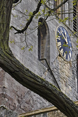 10 to 12 (Chris Mullineux) Tags: tree tower clock abbey nikon gloucestershire tewkesbury tewkesburyabbey mullineux