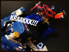 I'm back!!! (Omega~Charge) Tags: toys prime fight battle transformers optimus vs soundwave