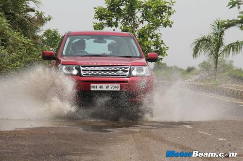 2013-Land-Rover-Freelander-2-28
