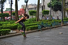 Realmente libre (ekineret) Tags: park parque urban color colour mxico libertad jump df district sunday free style teen skate skateboard salto coyoacan federal libre citizens joven teenage coyoacn distrito patineta saturnday
