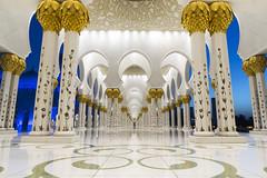 Sheikh Zayed Grand Mosque (Cybjorg) Tags: arch islam uae mosque emirates abudhabi column unitedarabemirates masjid sheikhzayed leadinglines