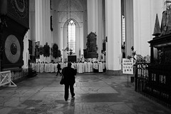 Silence! (JarHTC) Tags: people bw church monochrome wide silence fujifilm samyang xe2