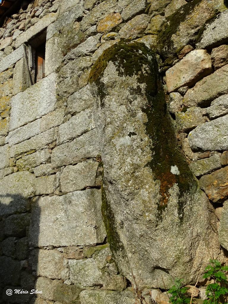 """Águas Frias (Chaves) - ...a pedra """"fálica"""" ..."""