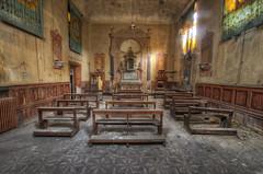 Church  with cloister (Italy)  (5) (Arno G) Tags: church eglise abandonn abandon decay dsaffect urbex explorationurbaine exploration cloister clotre pentax sigma1020mmf35exdchsm italy hdr poussire