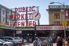 A lively Public Market Center. (JordanCabiling) Tags: seattle washington pikeplace publicmarket streetphotography fujifilm xt1