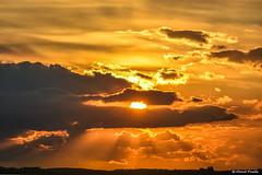 2016-10 Avondrood - zonsondergang aan het Haringvliet (Hellevoetsluis/NL) (Meteo Hellevoetsluis) Tags: 1010 2016 aboutpixels algemeen beeldendekunst haringvliet hellevoetsluis herfstseizoen jacobsladder mnd10 nl nederland netherlands southholland visualarts voorneputten zeedijk zuidholland art cirrostratus cloud clouds collecties cumulus fotografie kunst meteo nature natuur neerslag oktober photography precipitation skyline strand sun sunbeam sunray sunset weather weer wolk wolken zon zonnestraal zonsondergang