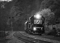 The Modern N&W (Wheelnrail) Tags: ns norfolk southern emd ge sd402 c409 locomotive mountain nw freight inspection fall west virginia christiansburg district morning railfanning pocahontas signals signal double track train trains rail road railroad
