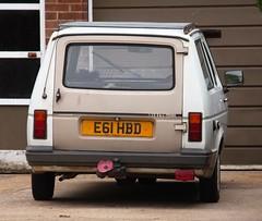 E61 HBD (Nivek.Old.Gold) Tags: 1987 reliant rialto gls estate 848cc grays thrapston robinjacksonmotors peterborough