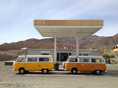 Panamint Springs - General Store (spieri_sf) Tags: california mountains bus vw volkswagen desert gasstation deathvalley westy generalstore busses t2 westfalia panamintsprings foursquare:venue=4ce93b7af1c6236ac15764f0