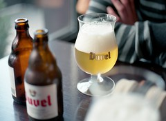 Duvel (Jorkew) Tags: 120 mamiya film beer glass colors bar analog table nc cafe 645 belgium belgie natural beers drink c drinks alcohol 400 devil medium portra400nc belgian bier antwerp portra duvel f28 glas antwerpen mamiya645 80mm belgisch portra400 kodakportra400nc kodakportra400 speciaal kodakportra sekor anverse duvelbeer mamiyasekorc80mmf28 lanvers duvelbier belgischspeciaalbier