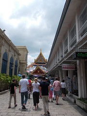 Grand Palace temples (Connie Churcher) Tags: travel bird thailand temple bangkok buddha royal jade grandpalace temples emerald emeraldbuddha phraborommaharatchawang grandpalacetemples