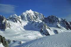 260038 (AK_Brickster) Tags: newzealand mountain snow cold ice skiing hiking altitude peak adventure climbing mountaineering summit hiker climber humanbeing mountaineer westlandnationalpark highaltitude mounttasman adventuretravel traveladventure