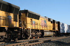 Union Pacific #3939 (EMD SD70M) in Colfax, CA (CaliforniaRailfan101 Photography) Tags: up amtrak unionpacific priority ge freight bnsf reefer manifest emd californiazephyr burlingtonnorthernsantafe dash9 dpu es44dc gevo sd70m amtk c449w stacktrain sd70ace es44ac colfaxca c45accte p42dc trackagerights es44c4 tietrain sd59mx unitreefer zdlsk trainsincolfaxca