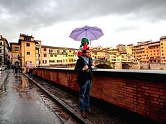 FIRENZE. PONTE VECCHIO. (FRANCO600D) Tags: firenze pontevecchio toscana italia italy genitore bimbo pioggia arno lungofiume canon eos600d sigma franco600d 6618 17 45