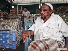 P7281902_Edit (Omar Reda) Tags: poverty old face closeup asian faces market african poor cook craft vegetable barber souk worker jeddah build saudiarabia ksa