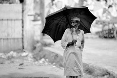The usual horrors (N A Y E E M) Tags: street portrait umbrella candid oldman bangladesh carwindow chittagong norahmedroad