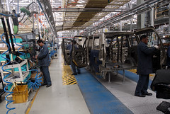 A Car manufacturing facility: Nasik ,India (E R) Tags: india industry car automobile utility maharashtra mm nasik nashik autoplant industrialworker carplant mahindraandmahindra passengervehicle indianlabours indianindustry indianlabour indianeconomy carproduction indianautomobileindustry carassemblyplant carmanufacturingunit indianlaboureconomy indiancarindustry mahindracarplant indiancarplant nashikcarplant indiaautomobileindustry carsector indiancarmarket mahindracarfactory