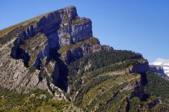 Canyon de Anisclo (Curufinwe - David B.) Tags: mountain mountains canon spain sony peak canyon mount espana aragon peaks espagne ainsa pyrenees pyrnes a77 sobrarbe mounts 70300 70300g lainsa anisclo sonyalpha77 sonydslta77v