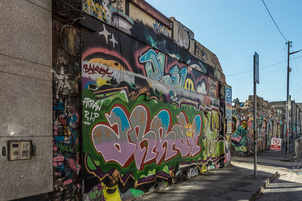 WINDMILL LANE STUDIO HAS BEEN DEMOLISHED { THE GRAFFITI WALLS ARE STILL STANDING] REF-103776