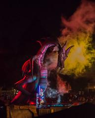 Fantasmic (Javier Castanon) Tags: show public kids amusement dragon ride disneyland joy disney mickey paseo mickeymouse amusementpark alegria fantasmic themepark dragn diversin maleficent evilqueen disneylandia disneypark malfica aprendizdebrujo sorcererapprentice reinamalvada