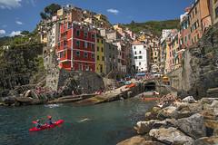Riomaggiore, Cinque Terre, Liguria, Italia. (pedro lastra) Tags: ligure italia italy liguria architecture unesco worldheritagesite nikon d750 nikond750