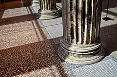 Columns and shadows (Tobi_2008) Tags: sulen schatten columns shadows museum berlin deutschland germany allemagne