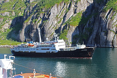 The MS Lofoten in the Trollfjord, Norway (3) (Phil Masters) Tags: 21stjuly july2016 norwayholiday norway raftsund raftsundet thetrollfjord trollfjorden trollfjord shipsandboats mslofoten hurtigruten msspitsbergen