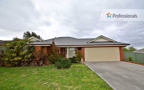 7 Topaz Court, Kelso NSW 2795