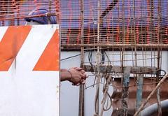 Por Aí-Trabalhador-SP. (nariobarbosa) Tags: porai trabalhador mao rua street construcao saopaulo brasil brazilian