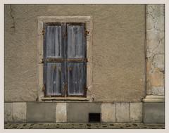 Volets gris bleu (afantelin) Tags: volet shutter fentre janela window mur wall braysurseine seineetmarne iledefrance