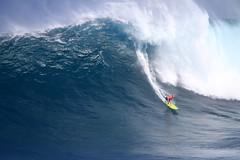 IMG_2361 copy (Aaron Lynton) Tags: surfing lyntonproductions canon 7d maui hawaii surf peahi jaws wsl big wave xxl