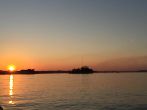 To compensate for the lack of sunrise this morning, I saw a gorgeous sunset in Flores, an island in the middle of Lago Peten Itza.. #sunset #lake #flores #guatemala #fabulousjourneys #6monthstravel #travel