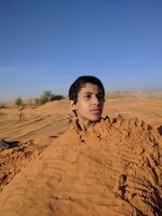 IMG_20161203_081309 (alialia1436) Tags: الرياض ولد مدرسة جوال احتراف تصوير توثيق nexus6p google تخصص طفل بر تجربه دفن قبر