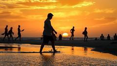 Caminante (celeleon) Tags: sunset atardeceres walk walker beach caminante caribbean caribe water airelibre mar canon7dmarkii canon 100 400
