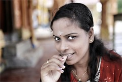 This Girl (cisco image ) Tags: srilanka jaffna portrait ritratto girl canon eos6d sigma 35mm soul soulsound presence presenze street eyes occhi glance look red