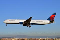 "Delta Air Lines N825MH Boeing 767-432ER cn/29703-758 ""1801"" @ LEBL / BCN 07-11-2016 (Nabil Molinari Photography) Tags: delta air lines n825mh boeing 767432er cn29703758 1801 lebl bcn 07112016"