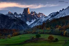 Urriellu (Roberto Graa) Tags: asturias bulnes cabrales montaa naranjodebulnes nieve parquenacional picosdeeuropa urriellu atardecer luz bosque landscape mountain snow light summit