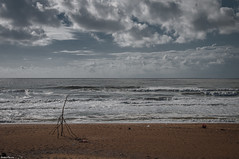 Anglet, plage du VVF. (Jrme Cousin) Tags: ocean sea cloud mer beach clouds nikon waves wave atlantic 64 nikkor nuage nuages vague vagues plage pays basque euskadi bayonne biarritz pyrenees bab 18105 euskal herria atlantiques anglet herri d5000