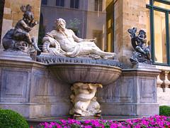 L'Escaut (jfmdelpozo) Tags: brussels sculpture monument statue monumento bruxelles estatuas bruselas plumier escaud pierredenisplumier
