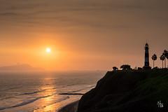 Miraflores - Perú (Ito Photos) Tags: ocean sunset pordosol costa sol peru del landscape coast pacific lima paysage puesta phare miraflores pacífico oceano pérou océan pacifique borddemer