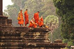 Have A Break (Coquine!) Tags: orange temple asia cambodia kambodscha buddhist monk angkorwat monks angkor tempel mönch christianleyk