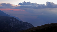 Night falls on Lake Garda (ab.130722jvkz) Tags: italy veneto lombardy alps easternalps bresciaandgardaprealps lakegarda lakes mountains sunset